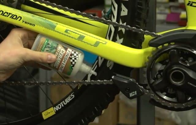 how to cleaning a chain with household products