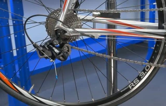 how to tighten a bike chain without tools