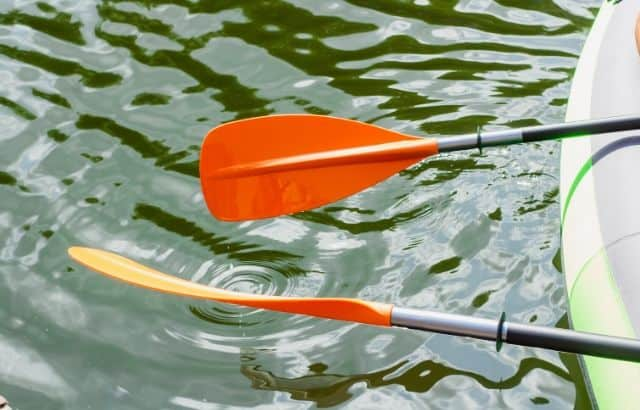 How to Choose Kayak Paddles