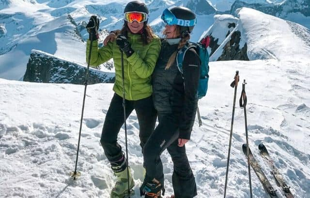 skiing turns