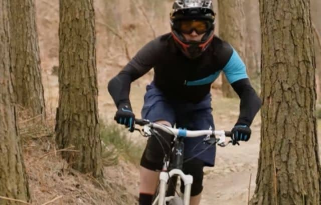 what to wear mountain biking in the cold
