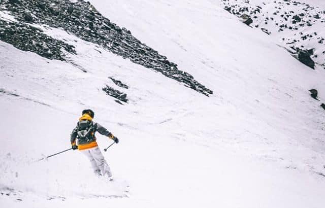 what to wear to ski resort