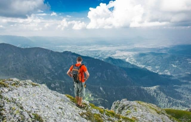 What to Wear Hiking in Summer