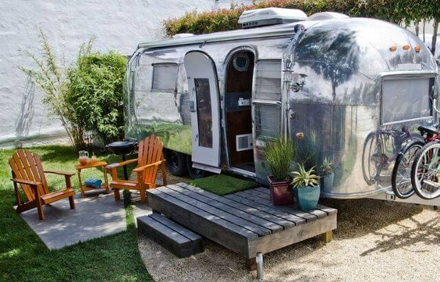 is it legal to live in a camper in your backyard