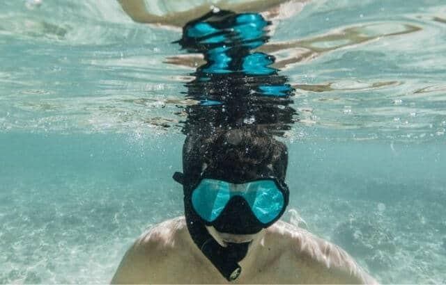 How do Snorkels Work Underwater