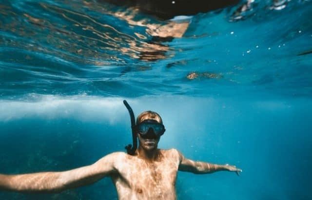 Underwater snorkel mask