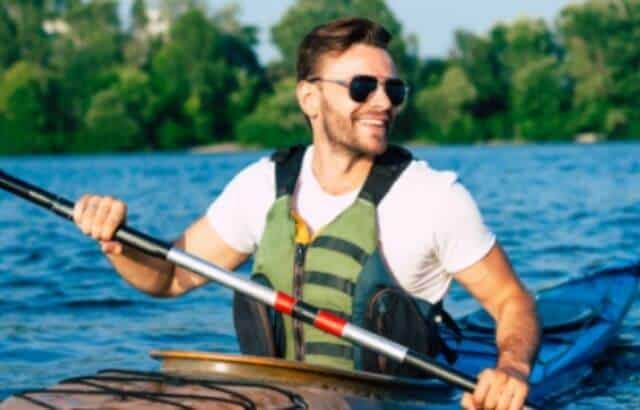 what to wear kayaking in cool weather