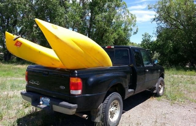 how to tie down a kayak in truck bed